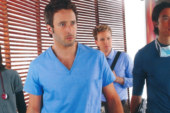 TV Serien Highlights Magazine Scan July 2012 – Alex O'Loughlin