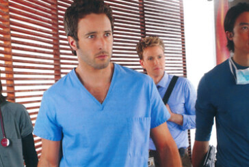 TV Serien Highlights Magazine Scan July 2012 – Alex O'Loughlin